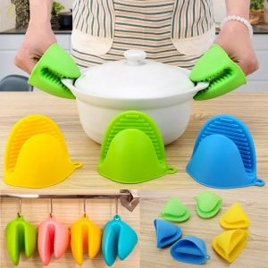Kitchen Silicone Heat Resistant Gloves BUY 1 GET 1 FREE 1000+200 DELIVERY CHARGES